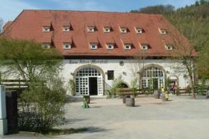 hay-hotel1